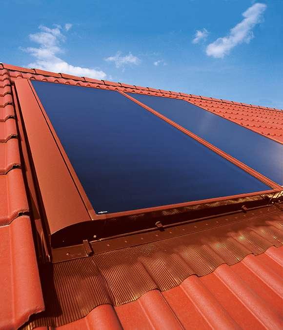 Инсталация на слънчеви колектори плосък тип Viessmann на покрив на къща